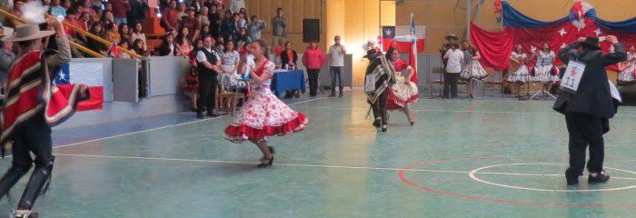 Brillante comunal de cueca organizó el Liceo Diego de Almeida