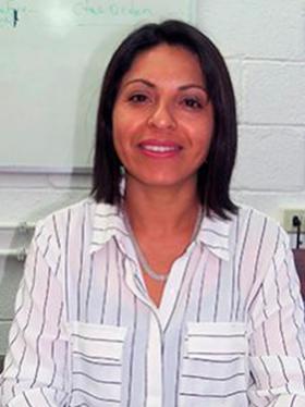Evelyn Núñez Villalobos - Directora Administración y Finanzas